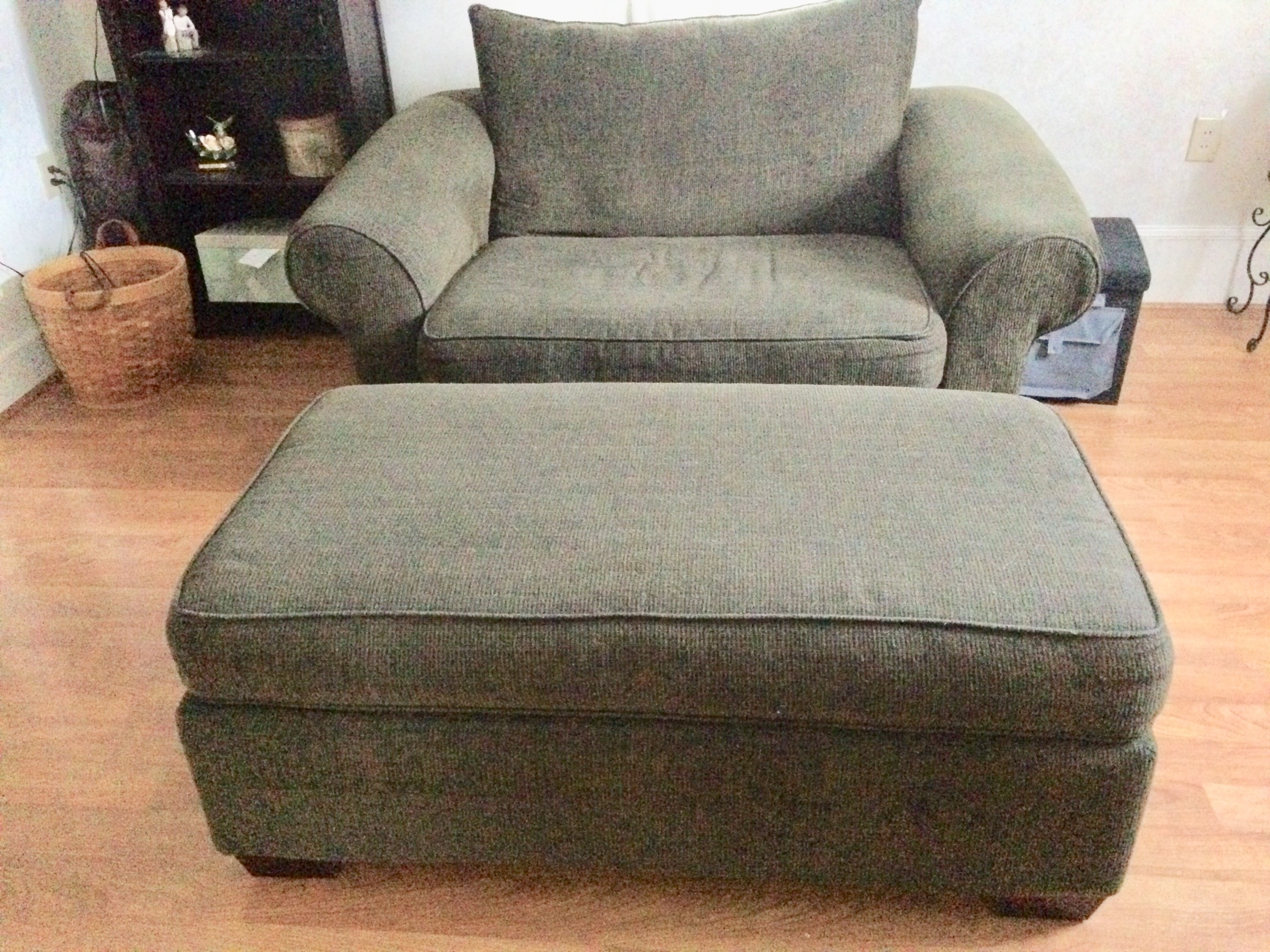 Double Chair with Ottoman